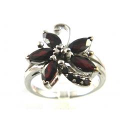 Stříbrné šperky s granáty