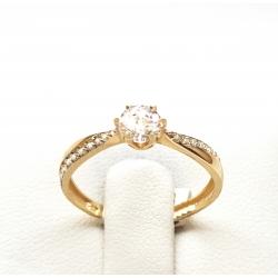 Zásnubní prsten ze žlutého zlata se zirkonem