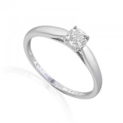 zásnubní prsten s briliantem